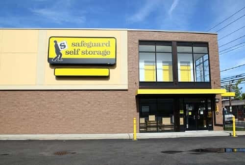 Climate Controlled Self Storage Spaces Serving Hewlett, New York 11557