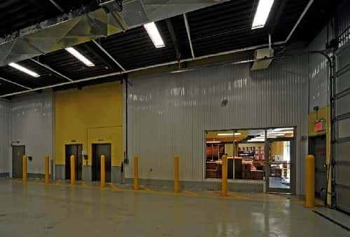 Drive In Loading Area For Self Storage Lockers on Liberty Avenue in Jamaica, New York 11433